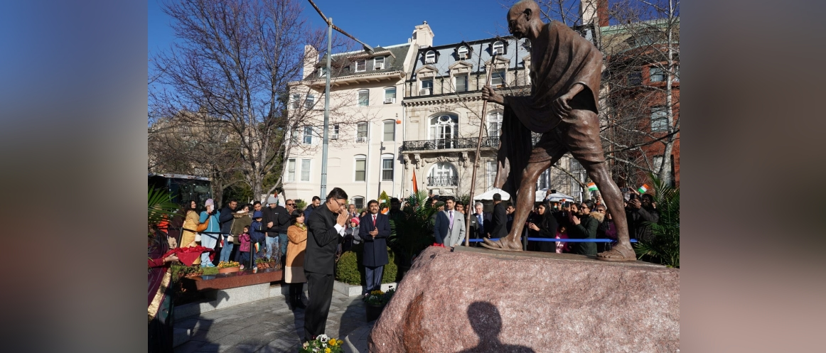 Charge d'Affaires Ambassador Amit Kumar paid floral tributes to the statue of Mahatma Gandhi at the Mahatma Gandhi Park in front of the Embassy during the celebration of the 71st Republic Day of India.
