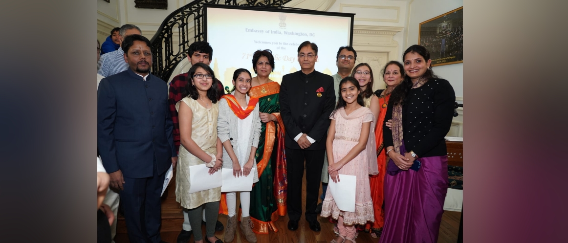 Charge d'Affaires Ambassador Amit Kumar with the students of Gandharva School of Music, Richmond who sang the 